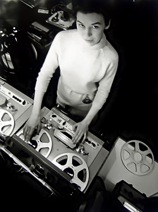 delia_derbyshire_radiophonic_workshop_1965