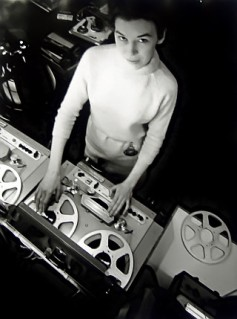 delia_derbyshire_radiophonic_workshop_1965